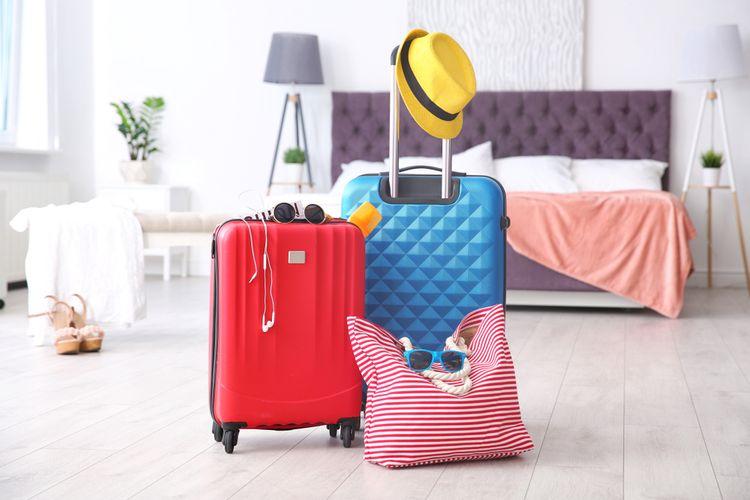 Nejlepší cestovní kufr – malý, velký, látkový, skořepinový. Jak vybrat odolný kufr do letadla?