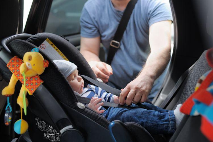 Kdy přejít z vajíčka na autosedačku? Správné sezení ve vajíčku, upevnění autosedačky v autě