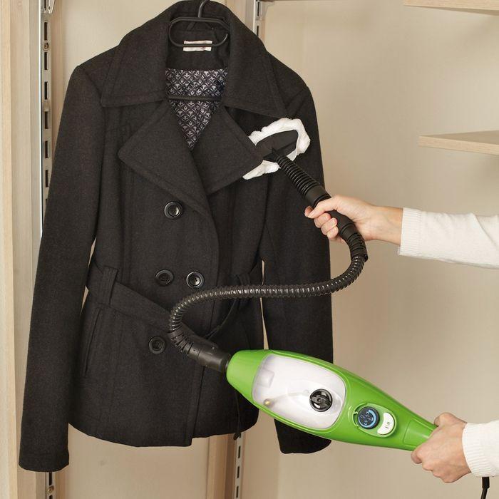 Čištění oděvů s Maxxx parním mopem 5v1