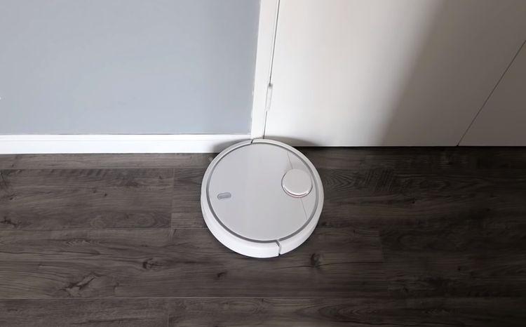 Xiaomi Mi Robot Vacuum disponuje detektorem zdí