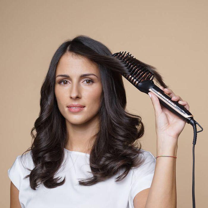 Tvarování vlasů pomocí žehlícího kartáče Bellissima 11539 MY PRO PB11 100