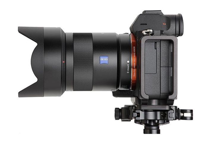 Objektiv na zrcadlovku Sony FE Sonnar T* 55mm f/1.8 ZA