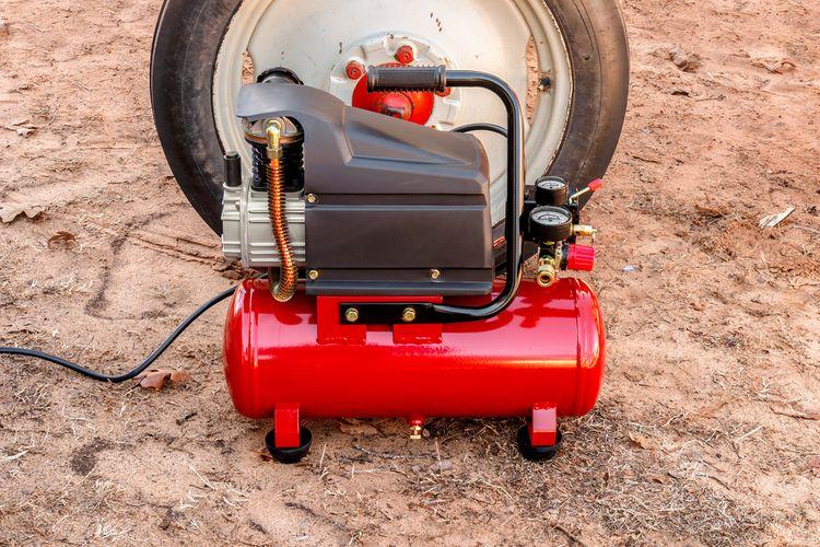 Malý olejový kompresor