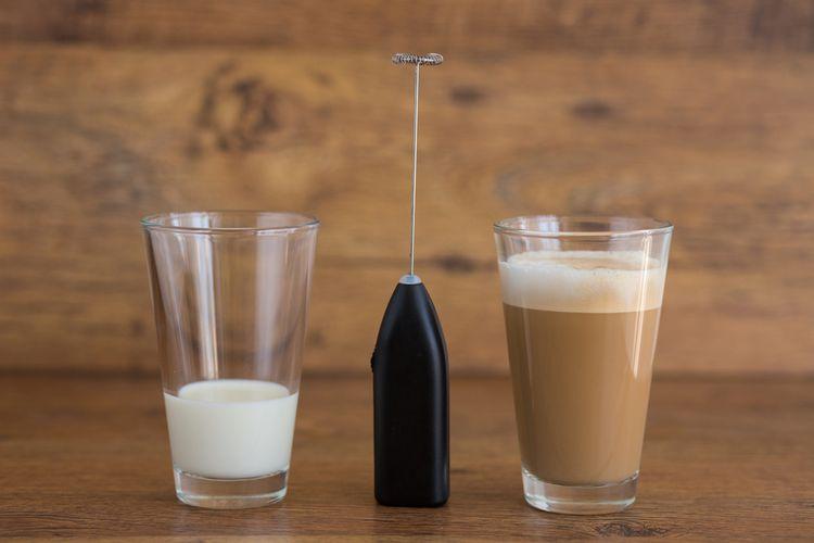 Elektrický napěňovač mléka