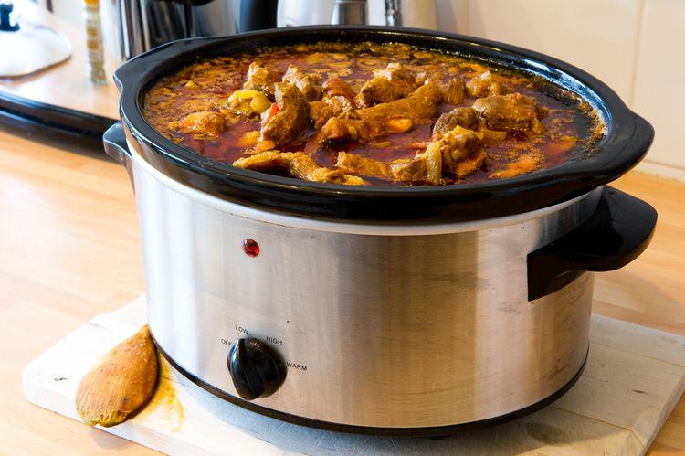 Velký slow cooker - pomalý hrnec na vaření
