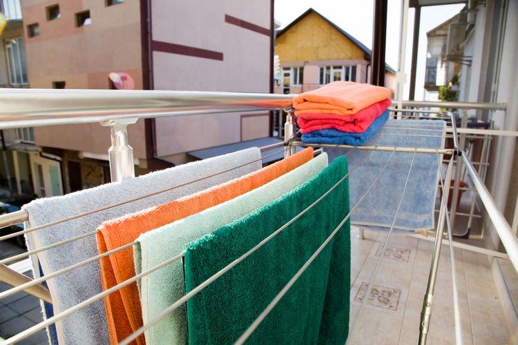 Sušák na prádlo na balkoně