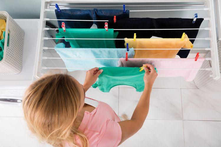 Sušák na prádlo na stěnu