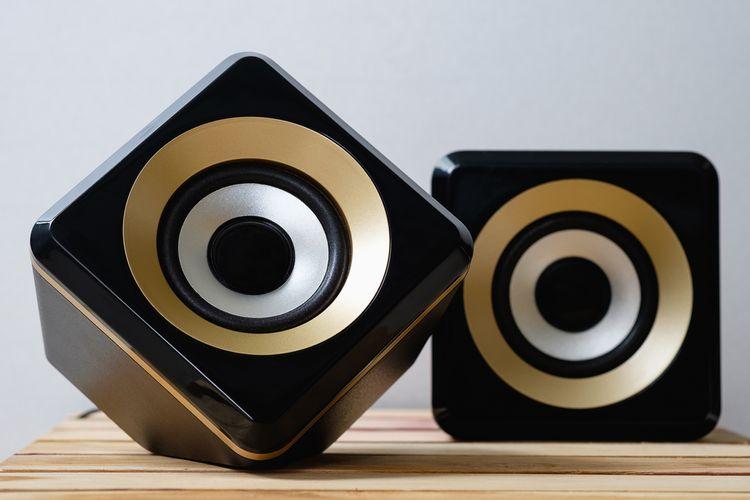 Luxusní bezdrátové zlato-černé reproduktory