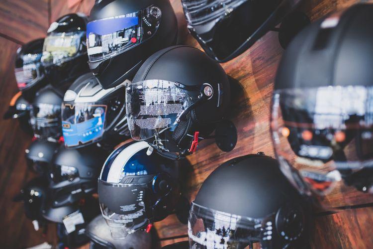 Motoristické helmy