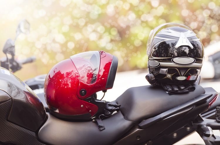Jak si vybrat helmu na motorku?