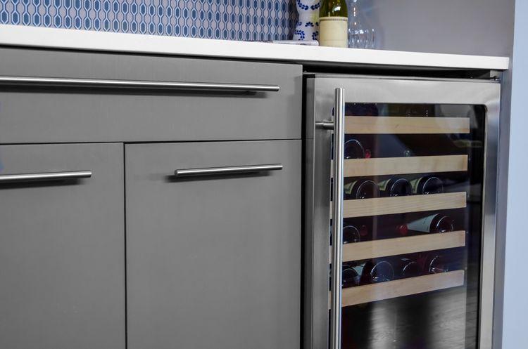 Vestavná vinotéka/chladnička na víno