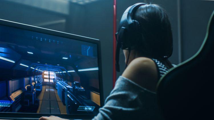 Jak vybrat herní monitor? Všímejte si nejen úhlopříčku, ale i technologii obrazovky či dobu odezvy