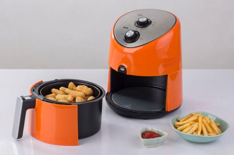 Oranžová horkovzdušná fritéza