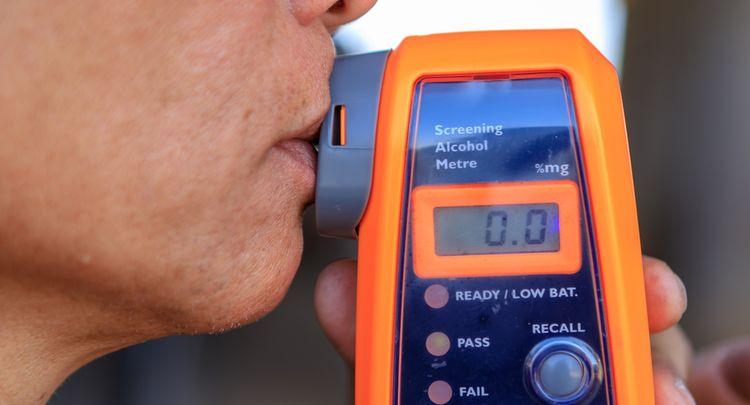 Alkohol tester: Recenze Alkohit, Sencor, Dräger + výpočet zůstatku alkoholu v dechu