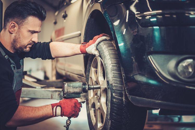 Výměna starých pneumatik za nové