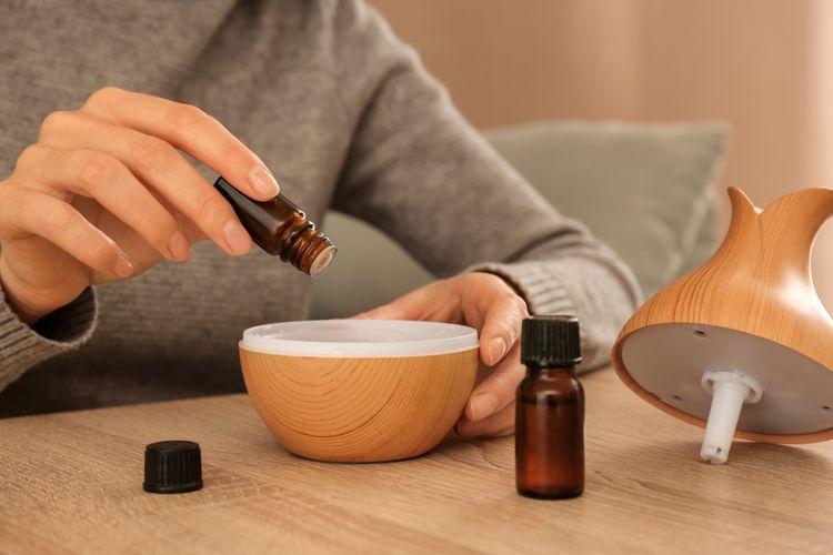 Plnění aroma difuzéru esenciálním olejem