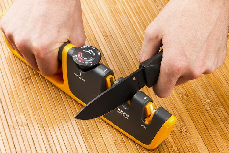 Štěrbinová brouska na nože