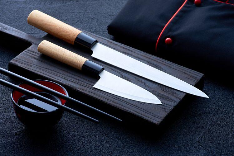 Japonské kuchyňské nože s dřevěnou rukojetí