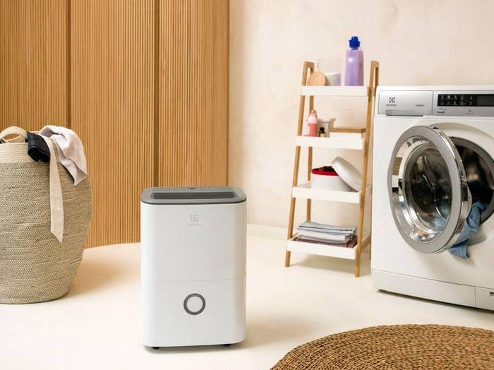 Odvlhčovač vzduchu Electrolux EXD16DN4W v prádelně