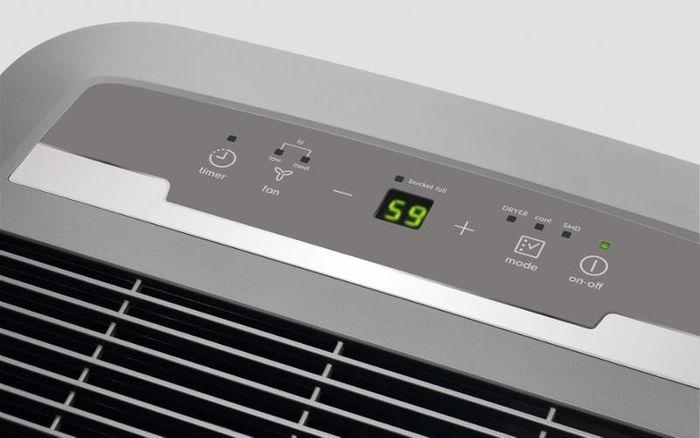 Odvlhčovač vzduchu Electrolux EXD16DN4W ovládání