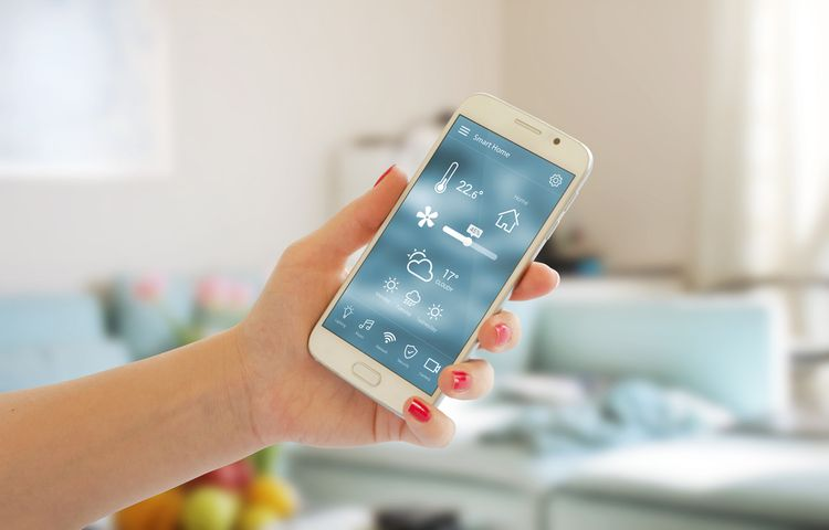 Inteligentní termostat s ovládáním přes telefon