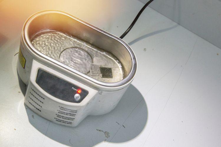 Průmyslová ultrazvuková čistička