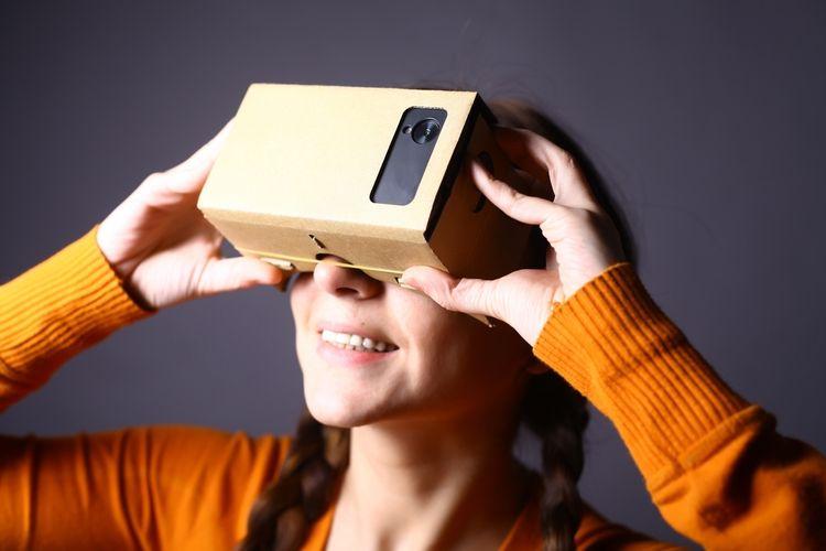 Levné VR brýle z kartonu