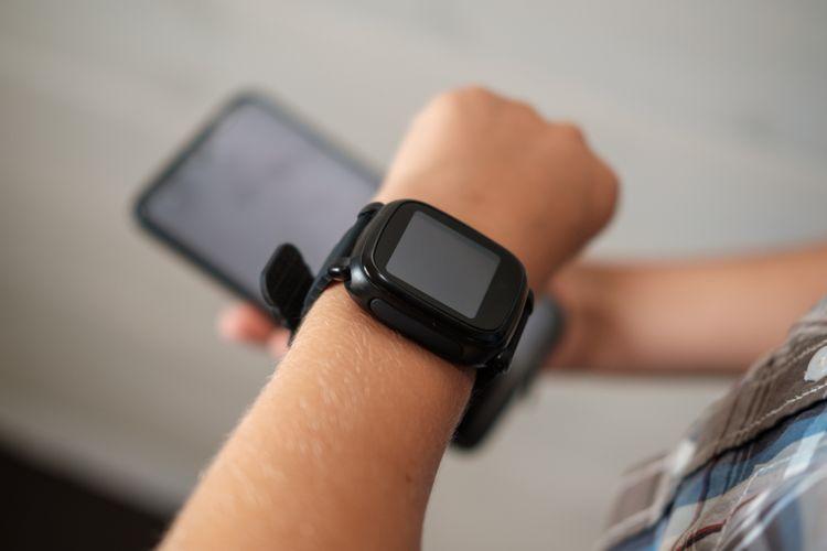 Dětské hodinky s GPS a telefonem