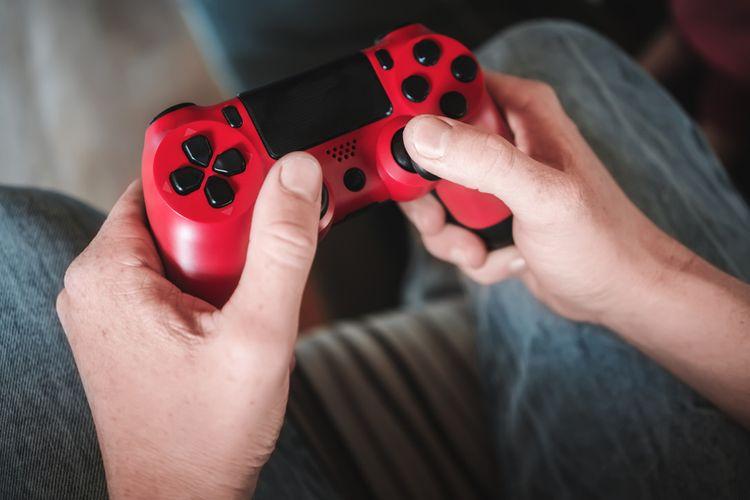 Červený gamepad na PlayStation