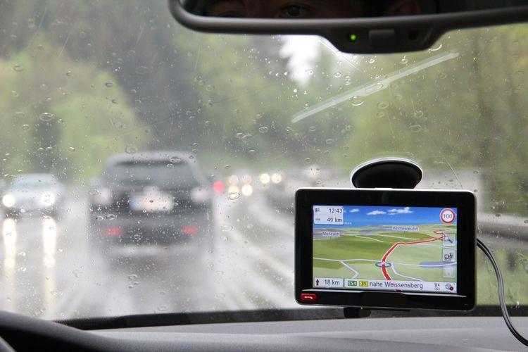 Jak vybrat GPS navigaci do auta?