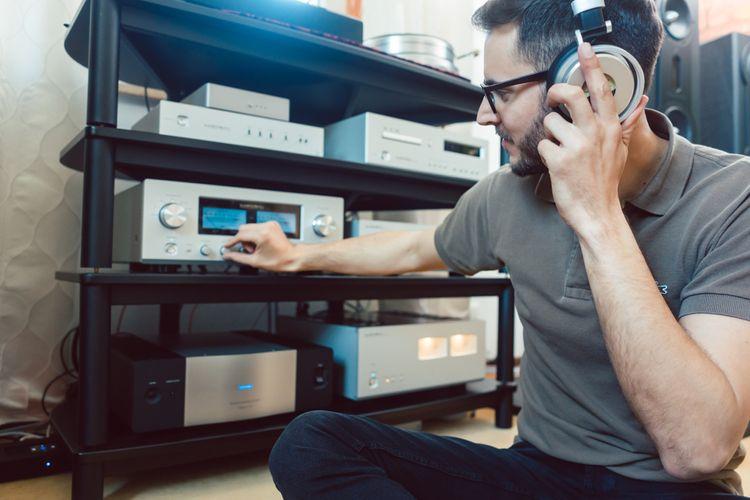 Mini Hi-Fi zařízení v obývacím pokoji