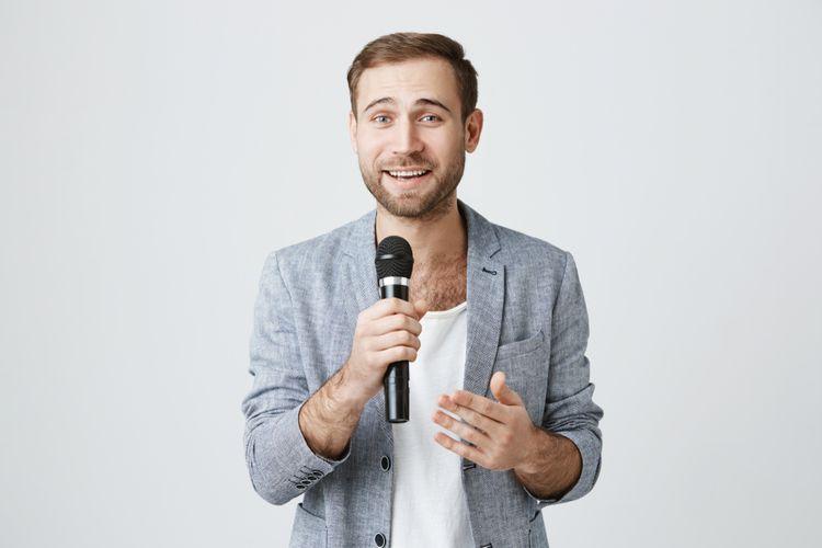 Dynamický mikrofon na moderování