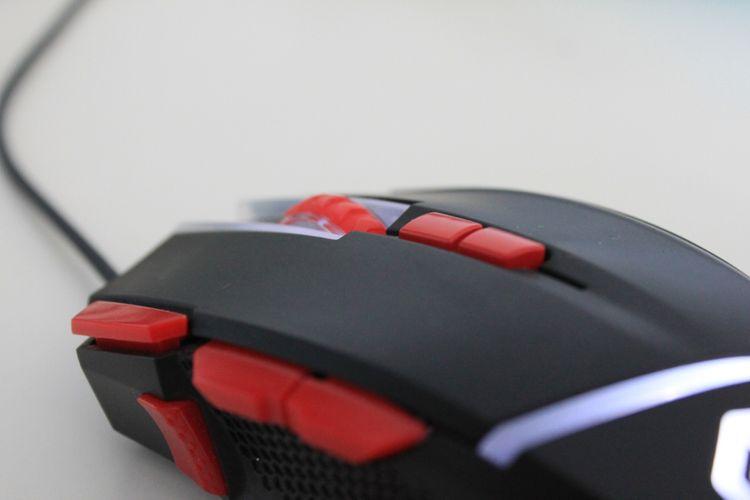 Programovatelná tlačítka herní myši