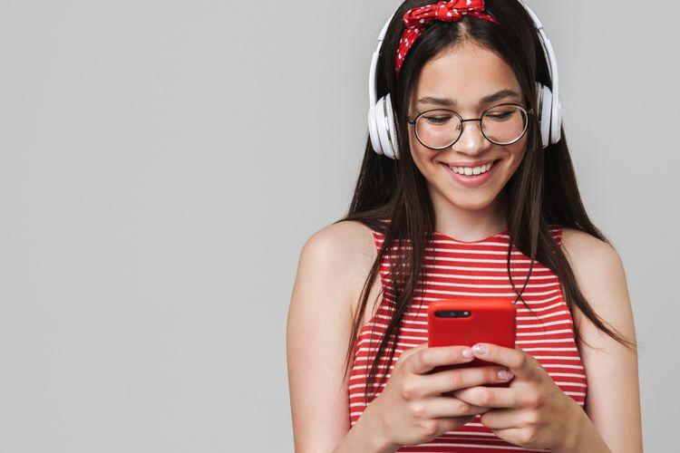 Výhody bezdrátových sluchátek přes hlavu