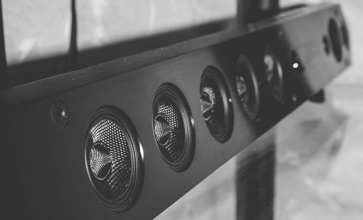 Je soundbar lepší než domácí kino?