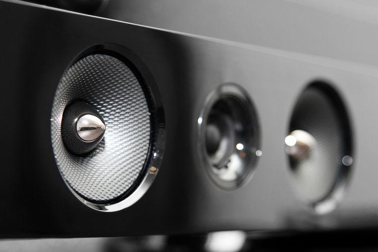 Soundbar reproduktor k TV se subwooferem