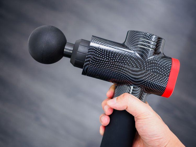 Černá masážní pistole