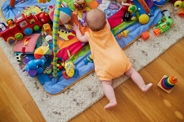 Hrací deka s hrazdou pro větší děti