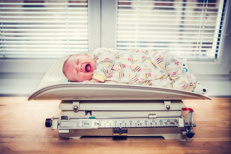 Mechanická kojenecká váha