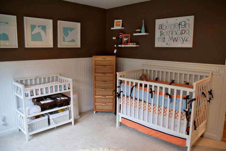 Standardní přebalovací pult v dětském pokoji