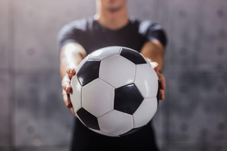 Profesionální fotbalový míč stojí více než2 500 Kč
