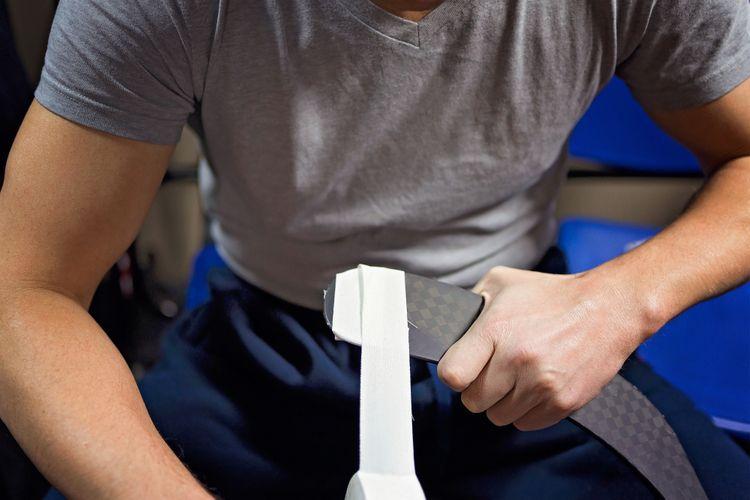 Olepování čepele hokejky páskou
