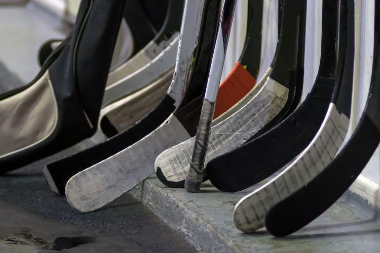 Kompozitové vs dřevěné hokejky