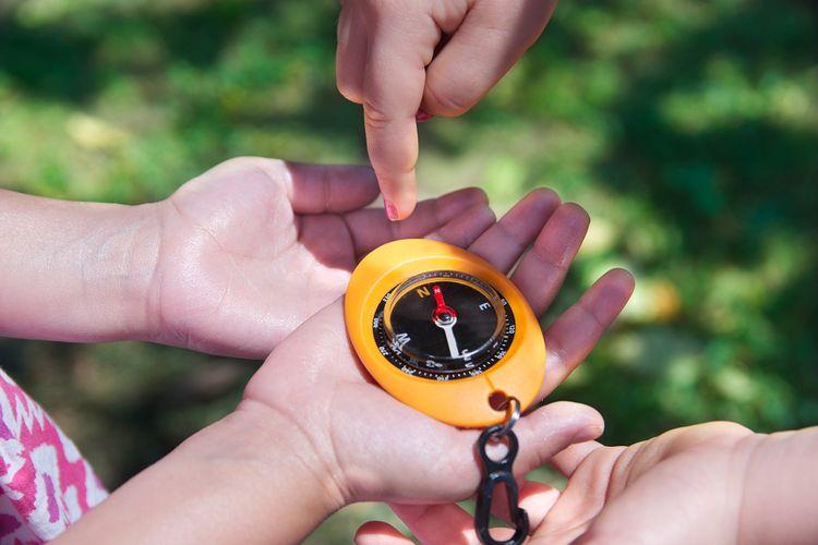 Barevný dětský kompas