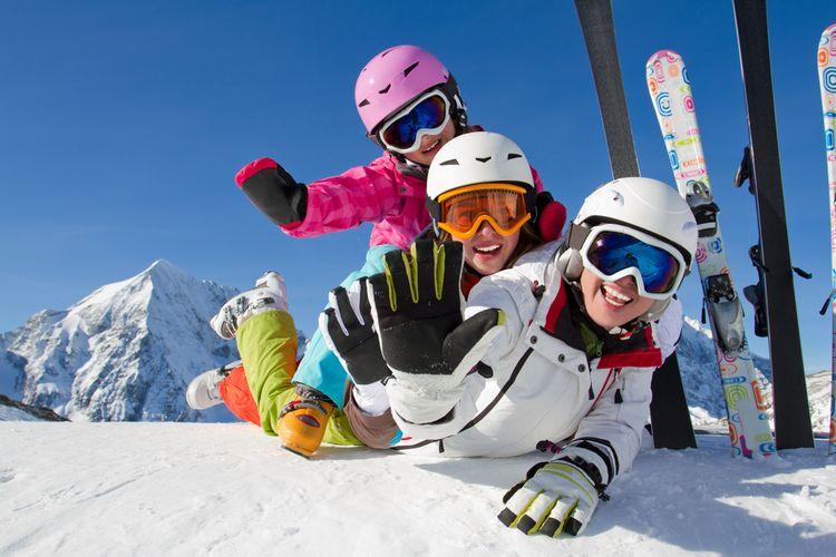 Jak vybrat lyžařskou přilbu?