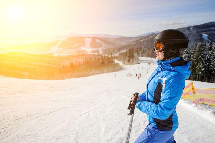 Dámská lyžařská helma