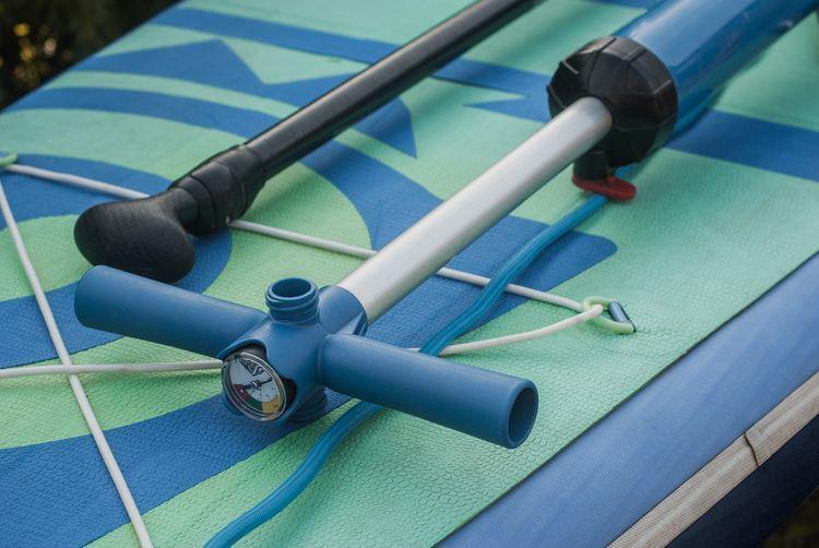 Ruční paddleboard pumpa