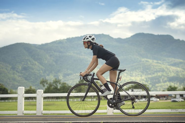 Černý silniční kolo pro ženy