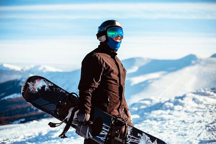 Snowboard s dřevěným jádrem