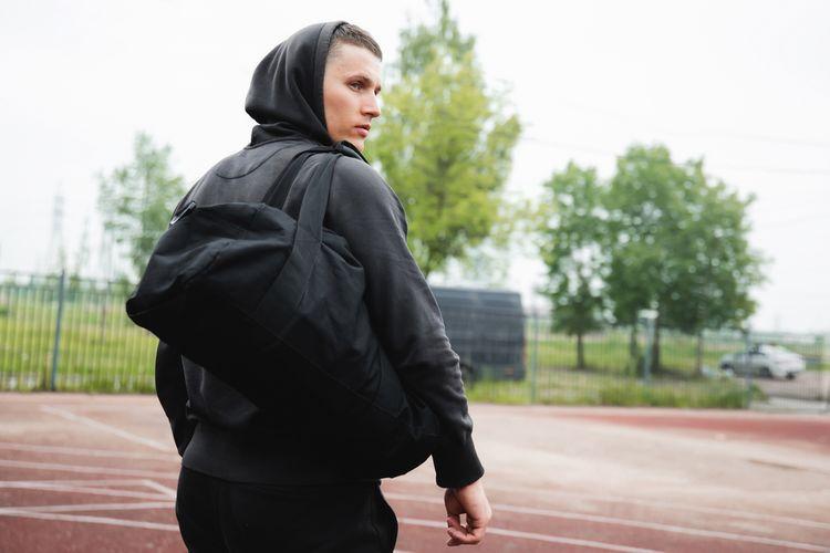 Voděodolná černá sportovní taška z polyesteru